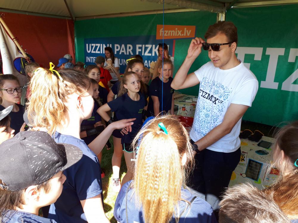 FIZMIX kopā ar 15000 skolēnu ZZ čempionāta finālā