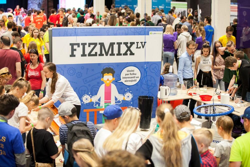 """Vērienīgākais Fizikas gada notikums """"FIZMIX Eksperiments"""" ir klāt!"""